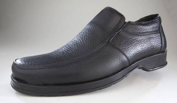 Slipper aus Echtleder, Farbe schwarz, Gr.41
